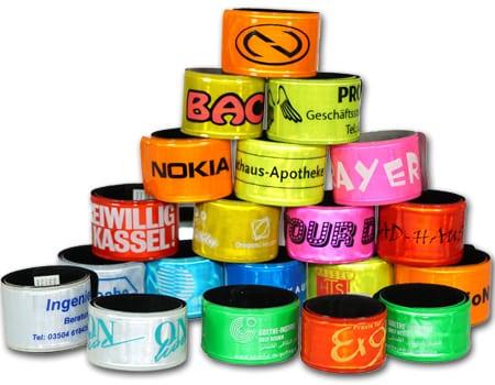 reflektiernde Schnapparmbänder bedrucken lassen, reflektierende Werbeartikel