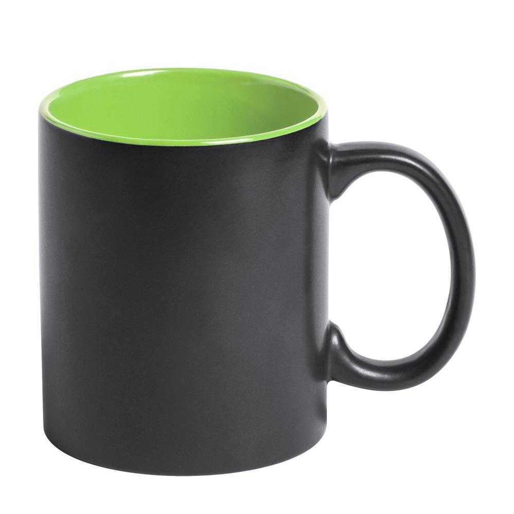 Schwarze Tasse mit Lasergravur gruen