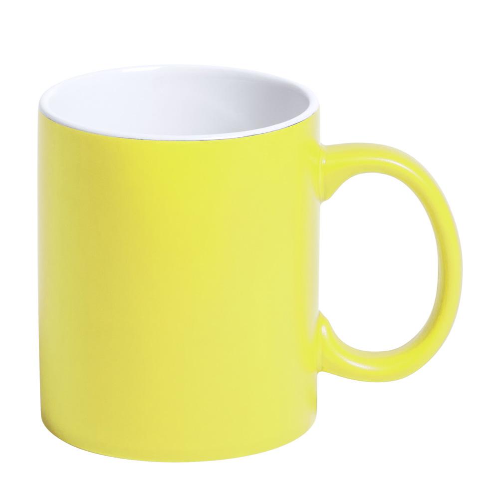 gelbe Tasse gravieren lassen
