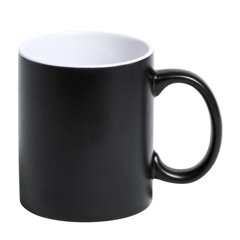 schwarze Tasse gravieren lassen